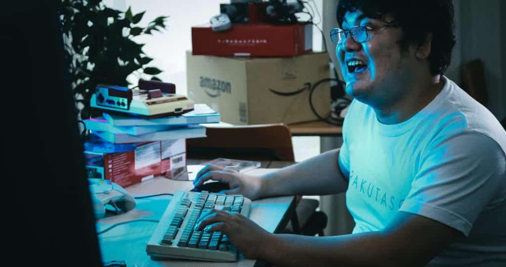 オンラインゲームで稼ぐ方法