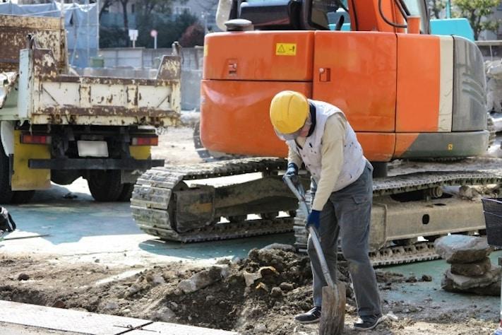 【副業】土木作業員で稼ぐ方法は|特徴・評判・メリット・デメリット