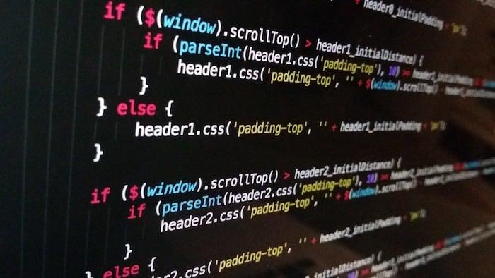 ウェブサイト制作を副業に選ぶデメリットは?