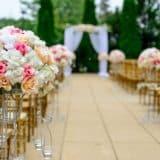 【副業】結婚式司会で稼ぐ方法は|特徴・評判・メリット・デメリット