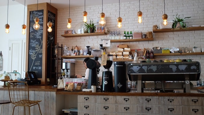 カフェ一日オーナーの副業としての始め方
