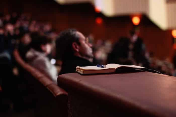 【副業】セミナー代理出席で稼ぐ方法は|特徴・評判・メリット・デメリット【副業】セミナー代理出席で稼ぐ方法は|特徴・評判・メリット・デメリット